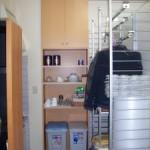 天井いっぱいの収納棚