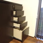 天然木を使ったキッチン収納棚